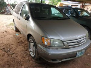 Toyota Sienna 2002 LE Gold | Cars for sale in Lagos State, Ajah
