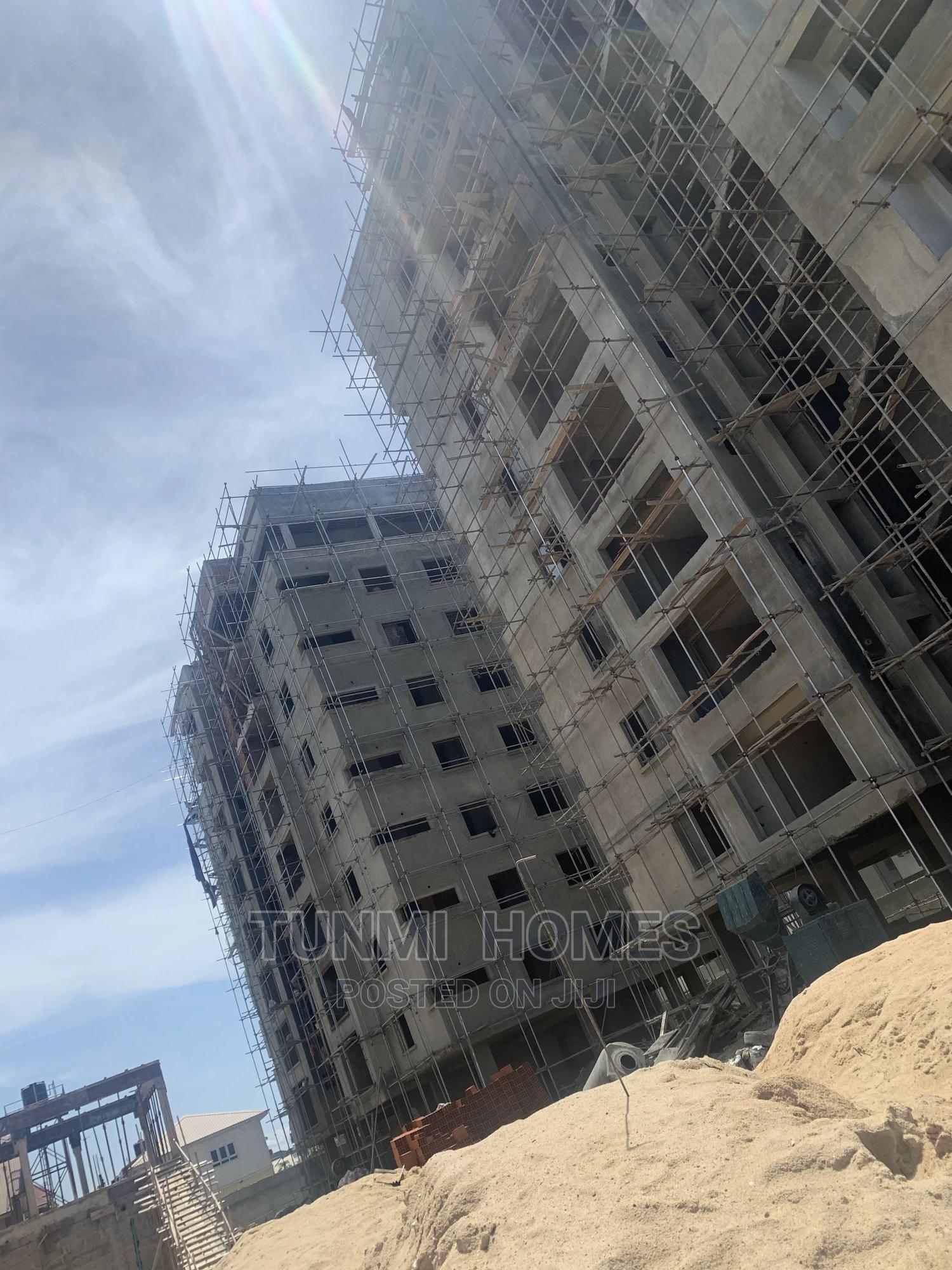 3 Bedrooms Block of Flats for Sale in Beach Road, Lekki
