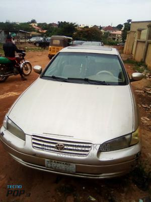 Toyota Camry 1998 Automatic Gold | Cars for sale in Abuja (FCT) State, Lokogoma