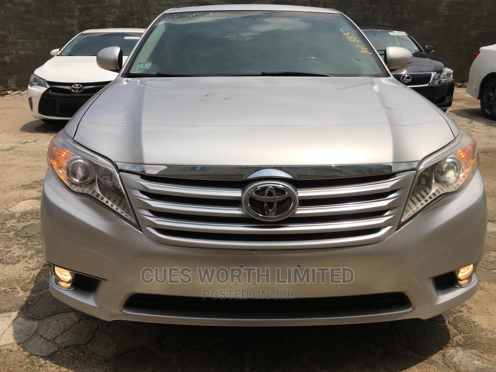 Toyota Avalon 2011 Silver
