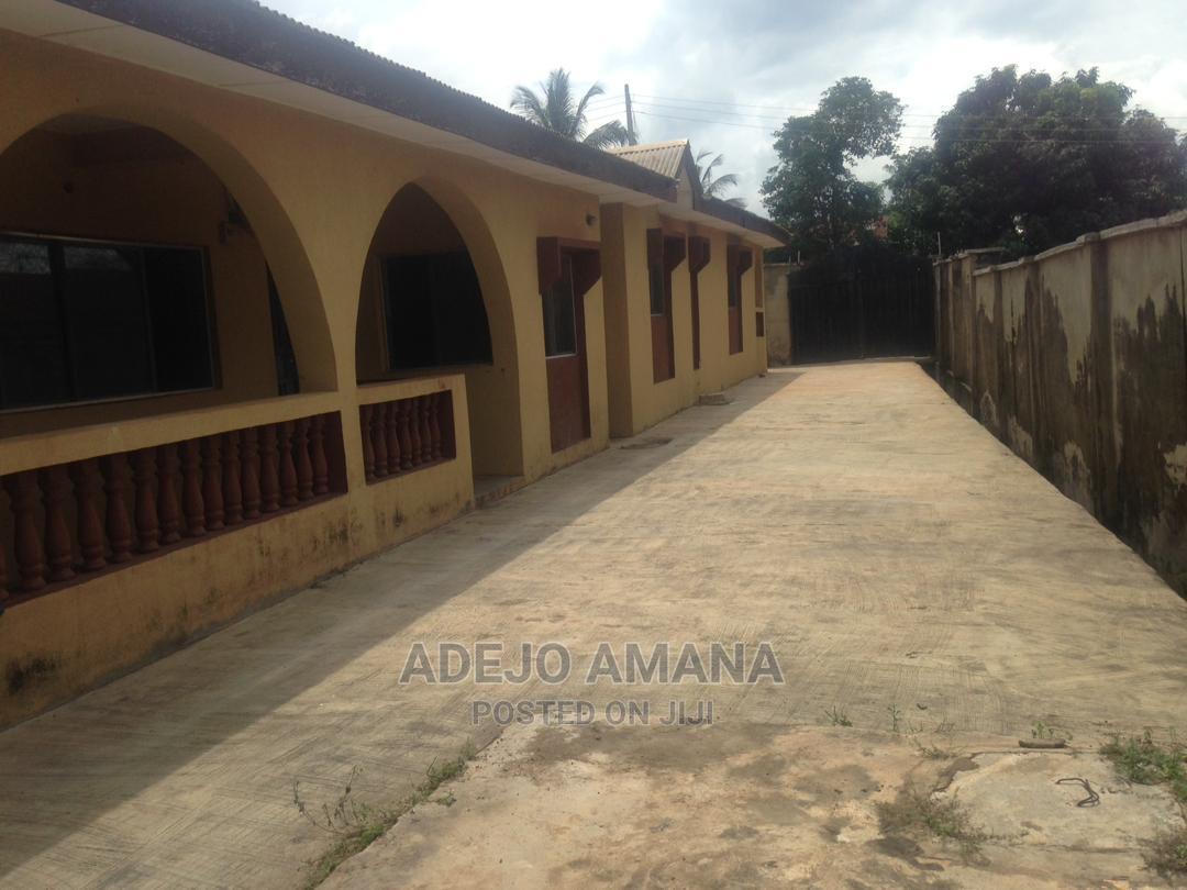 3bdrm Bungalow in Opposite Adeoja, Ibadan for Sale
