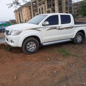 Toyota Hilux 2011 2.7 VVT-i 4X4 SRX White   Cars for sale in Abuja (FCT) State, Gudu