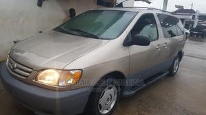 Toyota Sienna 2003 Gold   Cars for sale in Lagos State, Oshodi