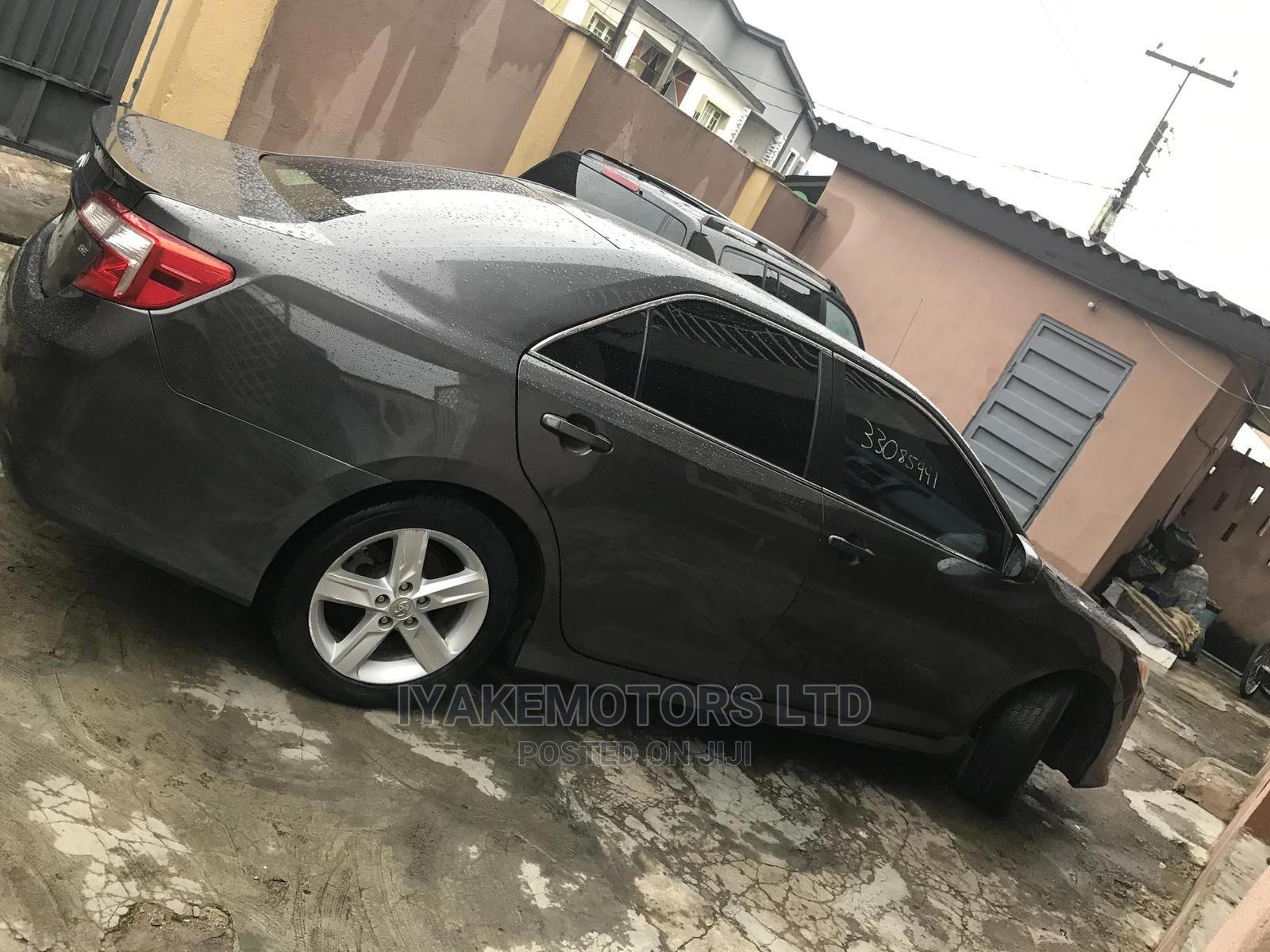 Toyota Camry 2012 Gray | Cars for sale in Ilupeju, Lagos State, Nigeria