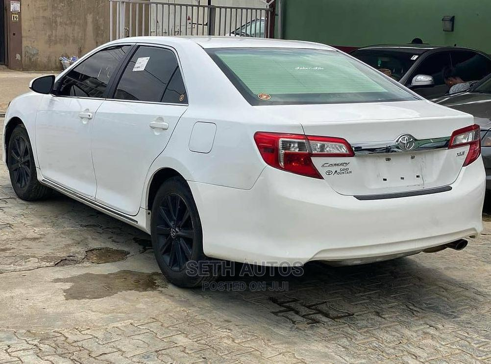Archive: Toyota Camry 2012 White