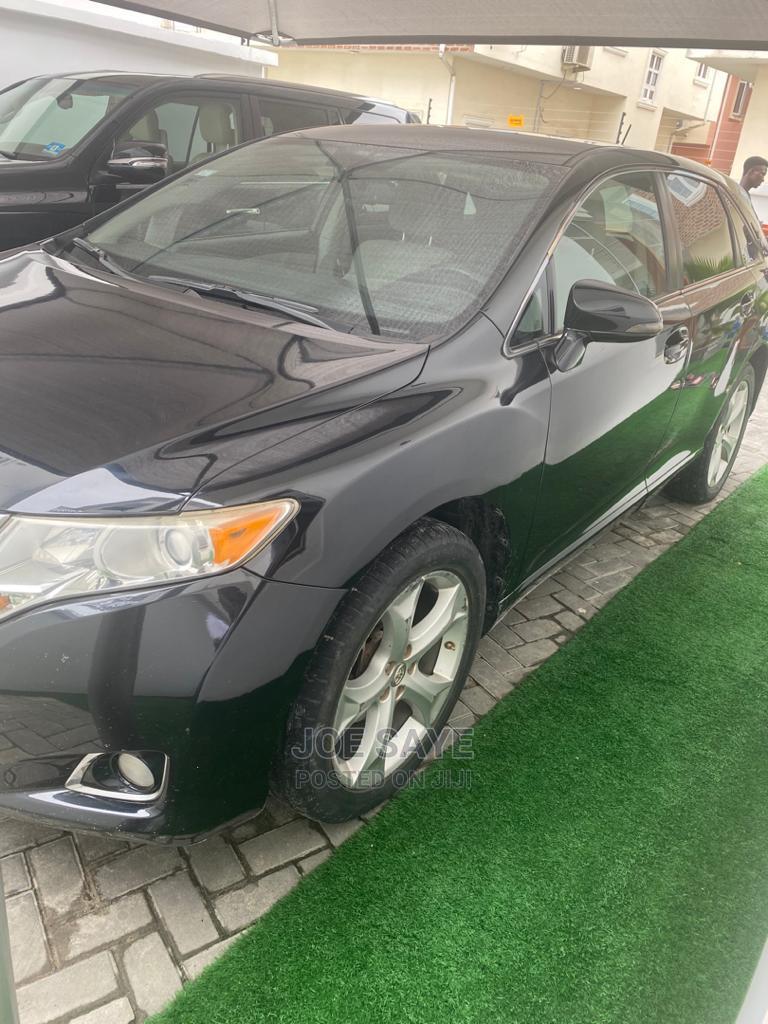 Archive: Toyota Venza 2013 LE AWD V6 Black