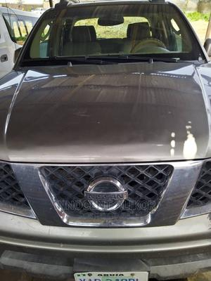 Nissan Frontier 2009 Crew Cab LE 4x4 Gold | Cars for sale in Rivers State, Port-Harcourt