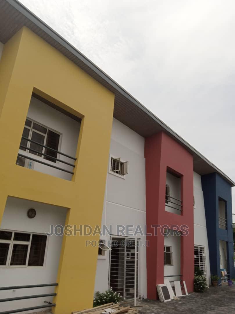 4bdrm Apartment in Lekki Phase 1 for Rent