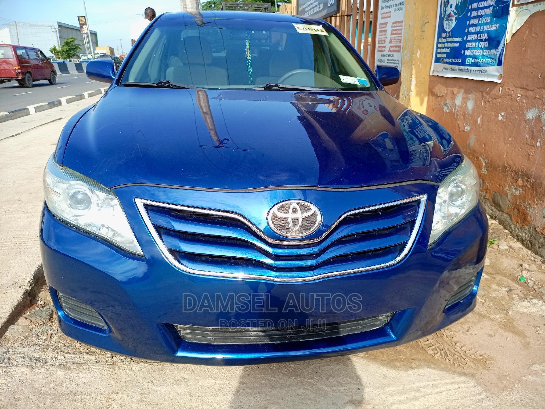 Toyota Camry 2011 Blue