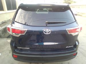 Toyota Highlander 2016 XLE V6 4x4 (3.5L 6cyl 6A) Blue | Cars for sale in Lagos State, Ikeja