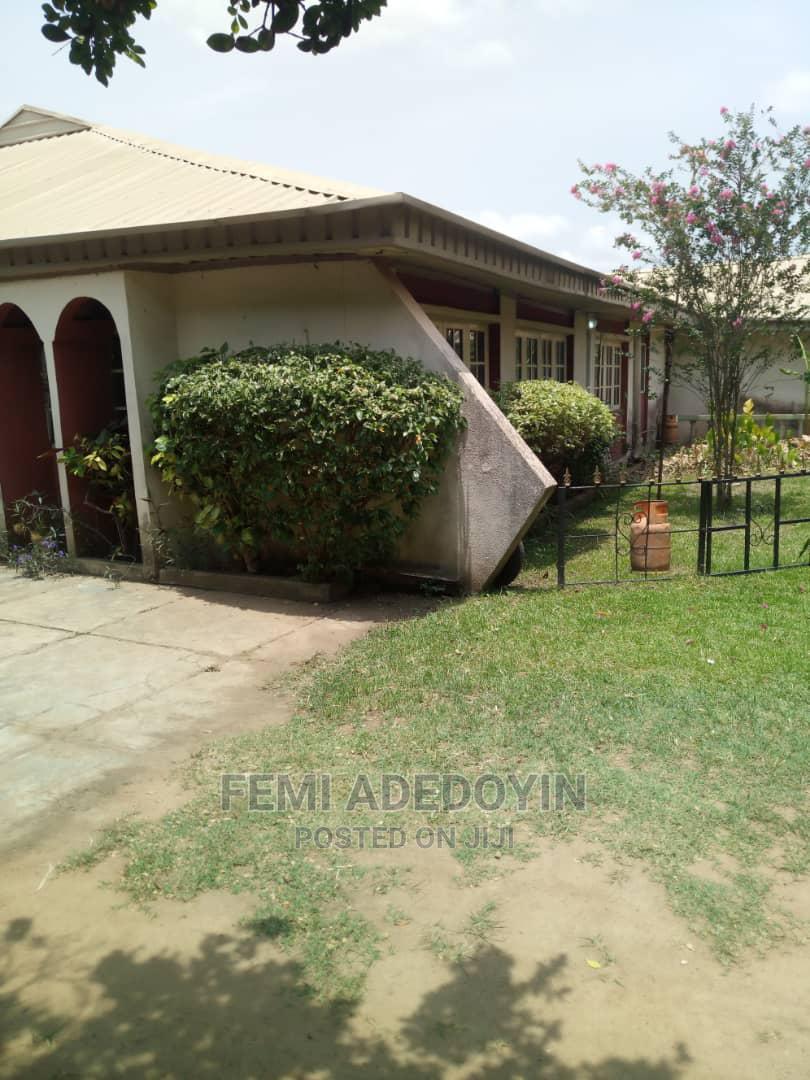 4bdrm Bungalow in Oojo, Ibadan for Sale
