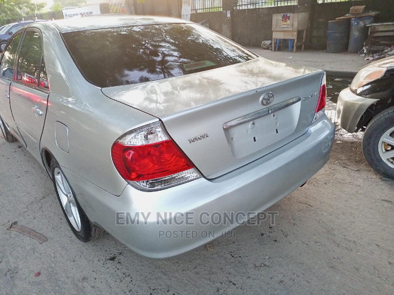 Toyota Camry 2005 Silver | Cars for sale in Amuwo-Odofin, Lagos State, Nigeria