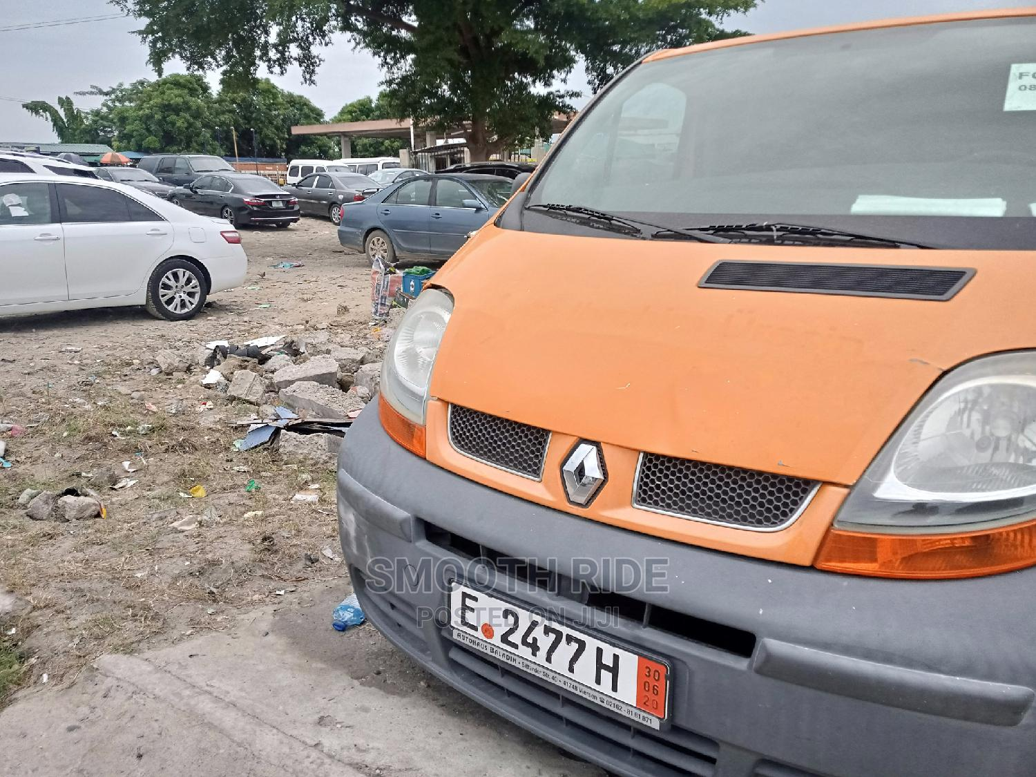 A Clean Renault Traffic 2008 Yellow Forsale | Buses & Microbuses for sale in Ajah, Lagos State, Nigeria