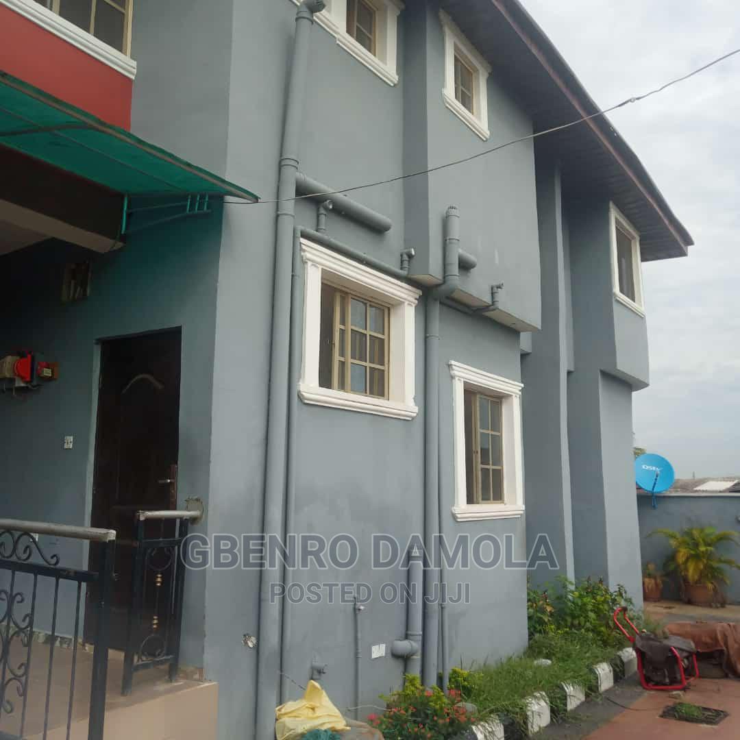 Furnished 3bdrm Apartment in Akesan, Igando / Ikotun/Igando for Rent