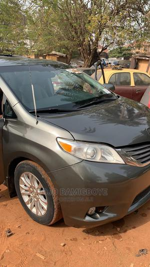 Toyota Sienna 2011 XLE 7 Passenger Mobility Gray | Cars for sale in Oyo State, Ibadan