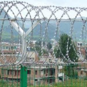 Concertina Razor Fencing Wire   Building Materials for sale in Abuja (FCT) State, Dei-Dei