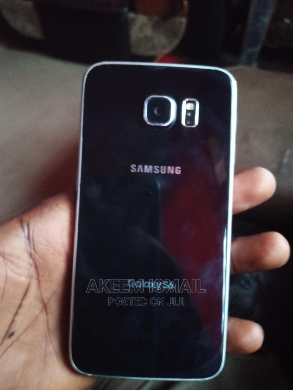 Archive: Samsung Galaxy S6 64 GB Blue