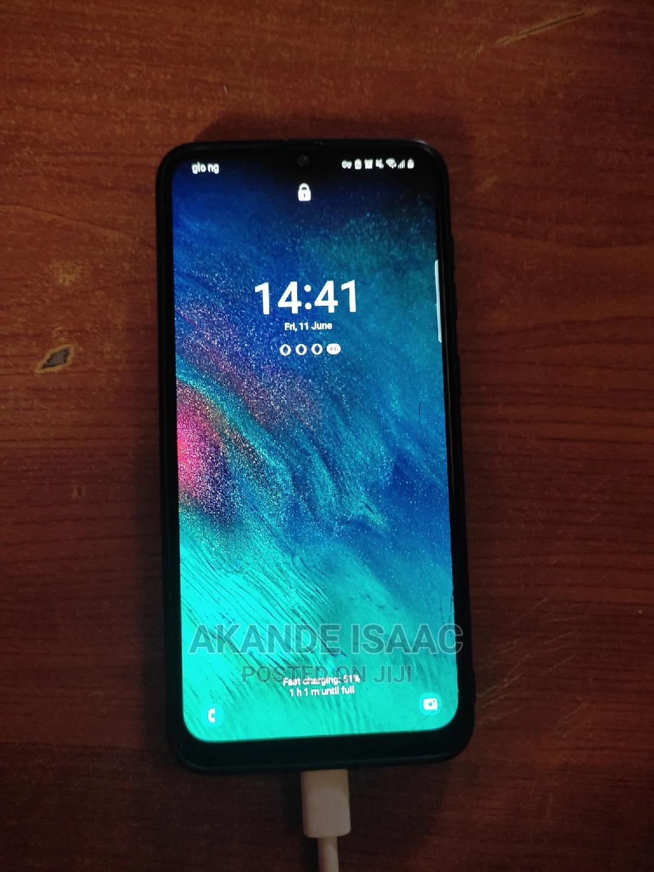 Archive: Samsung Galaxy A30 64 GB White
