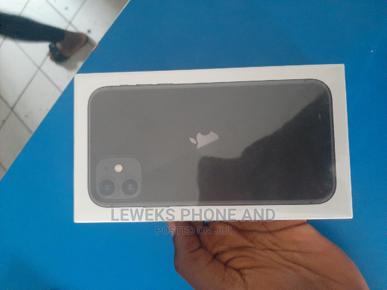 Archive: New Apple iPhone 11 128 GB Black