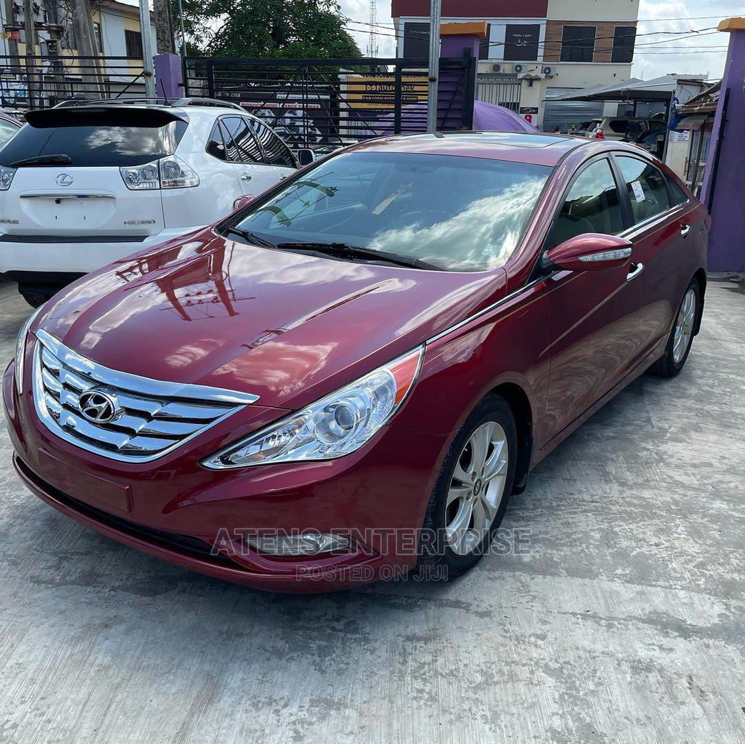 Hyundai Sonata 2011 Red