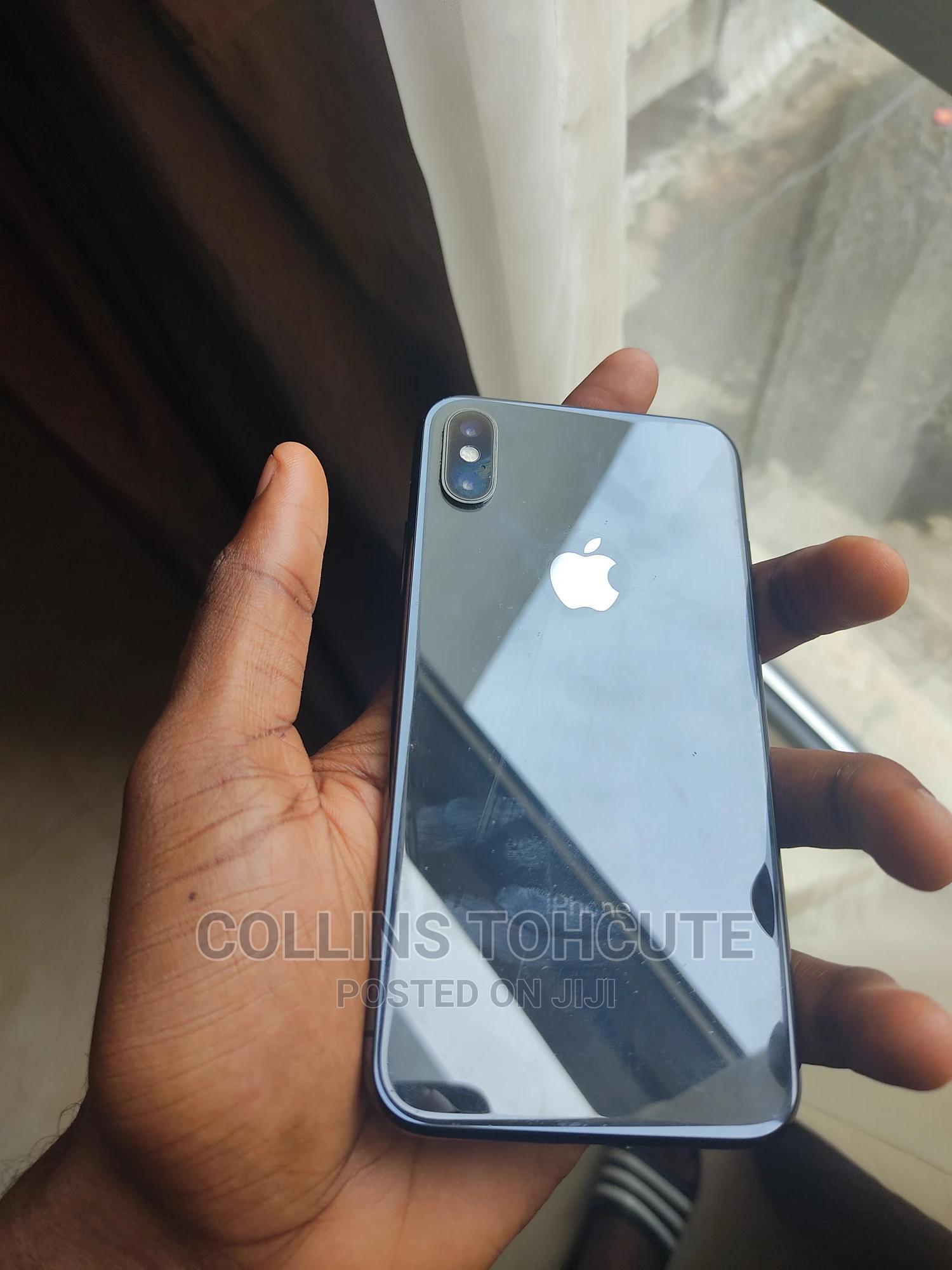 Archive: Apple iPhone X 256 GB Black