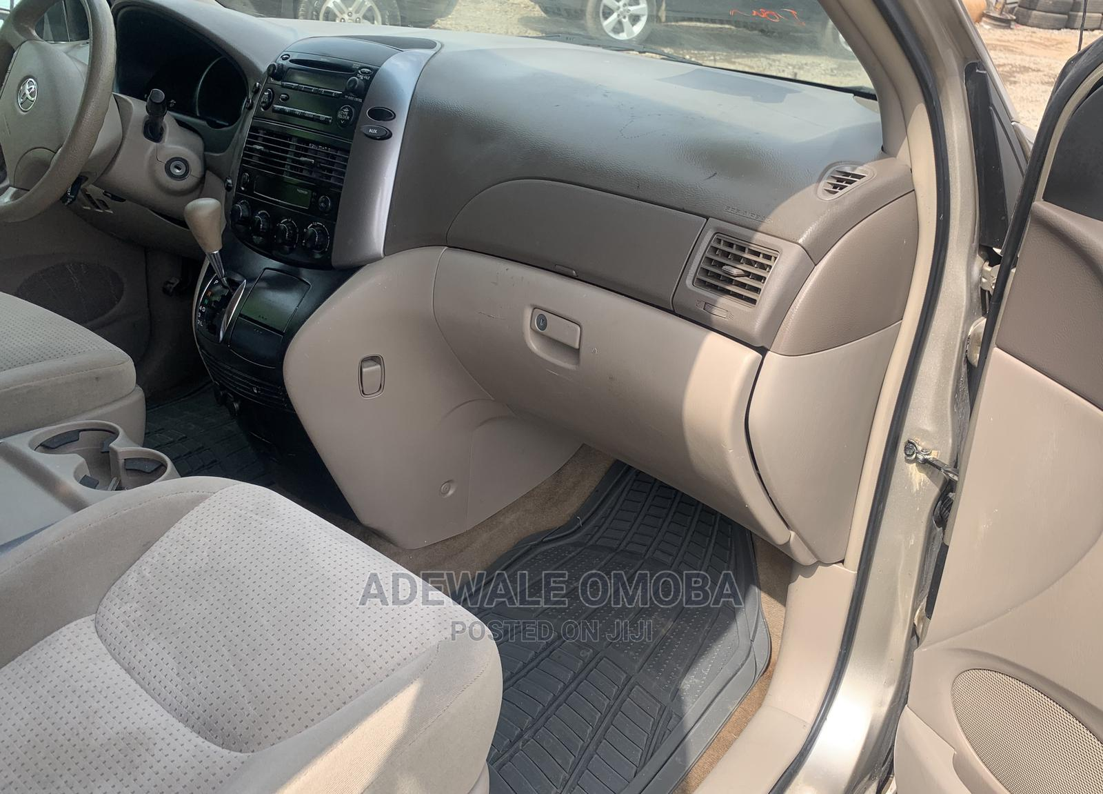 Toyota Sienna 2008 LE Gold   Cars for sale in Oluyole, Oyo State, Nigeria