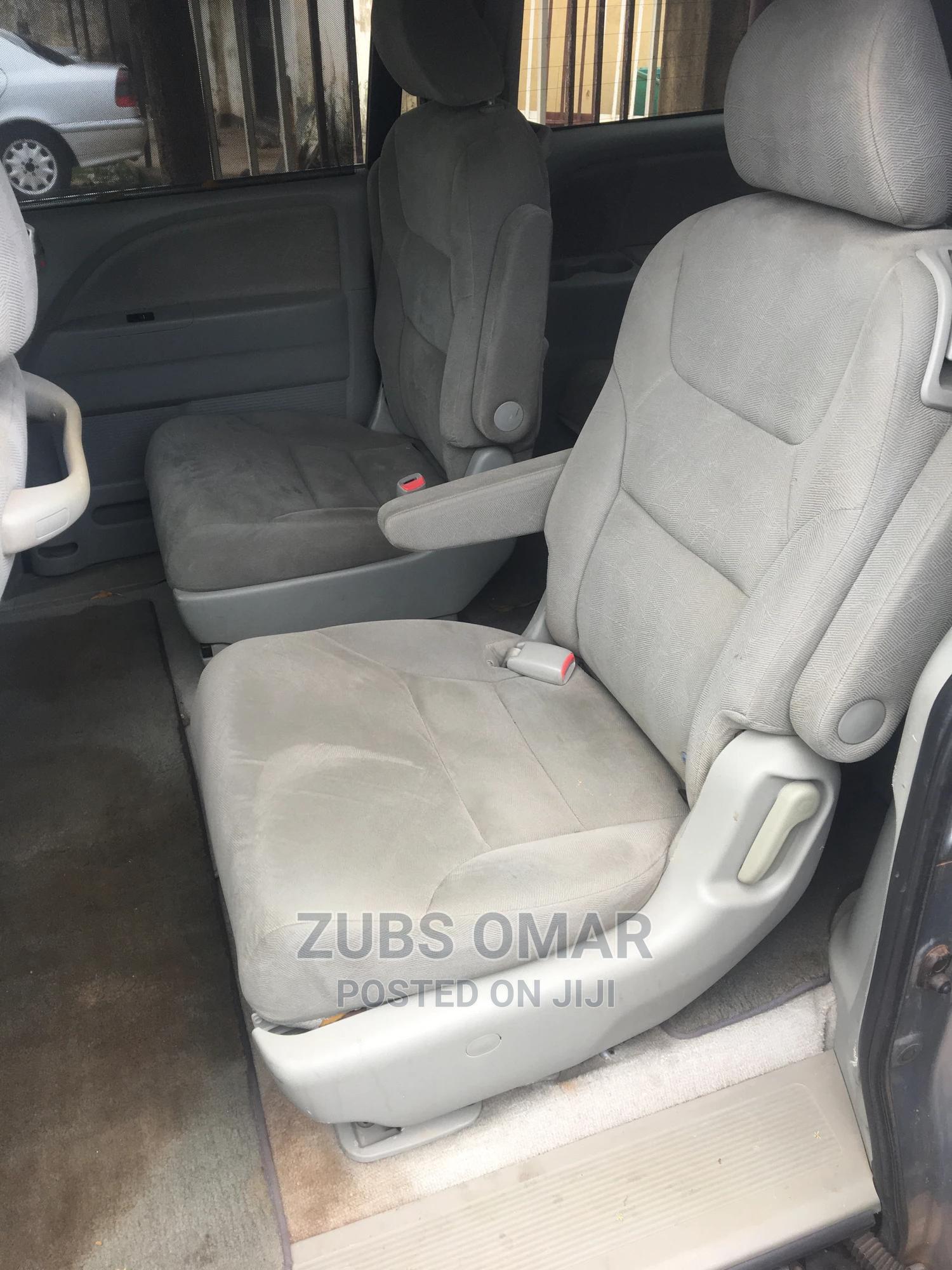 Archive: Honda Odyssey 2011 Gray