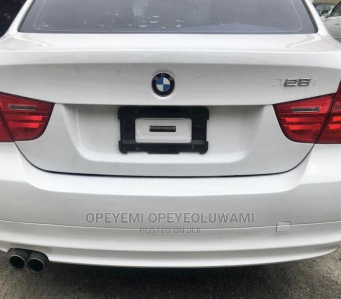 Archive: BMW 328i 2009 White