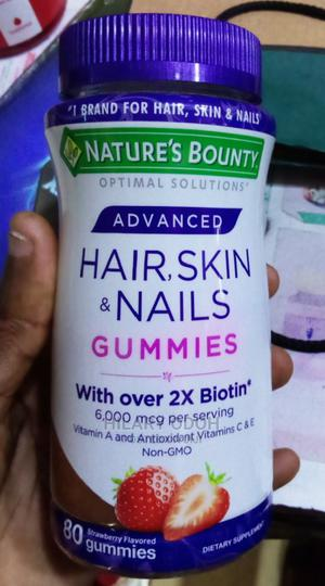 Natures's Bounty Hair, Skin ,Nails 80 Gummies | Vitamins & Supplements for sale in Lagos State, Ojo