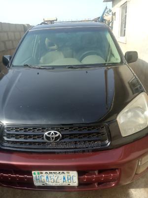 Toyota RAV4 2004 2.0 4x4 Black | Cars for sale in Abuja (FCT) State, Mararaba