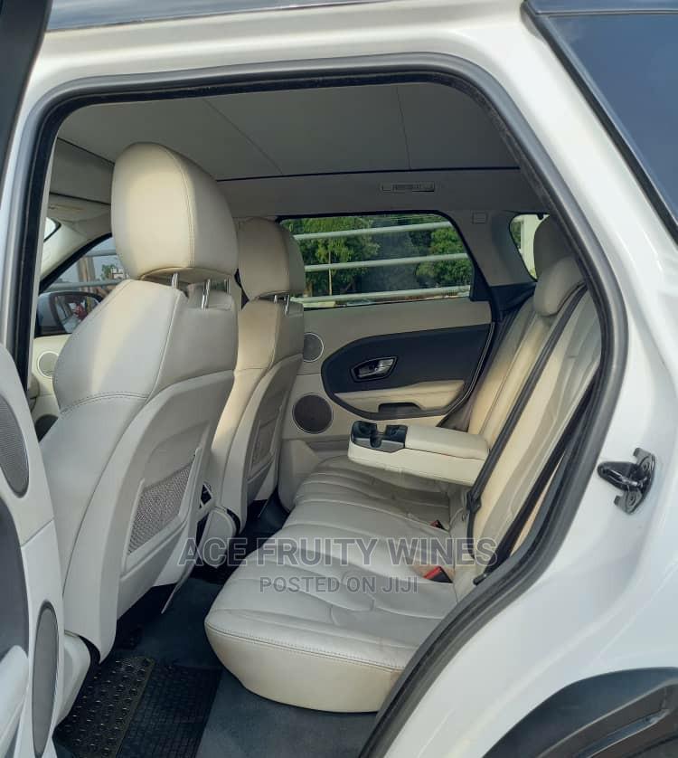 Archive: Land Rover Range Rover Evoque 2012 Dynamic White