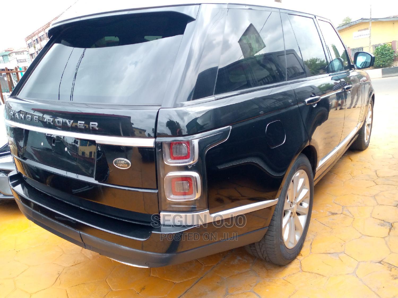 Archive: Land Rover Range Rover Vogue 2018 Black