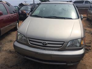 Toyota Sienna 2002 Gold   Cars for sale in Lagos State, Amuwo-Odofin