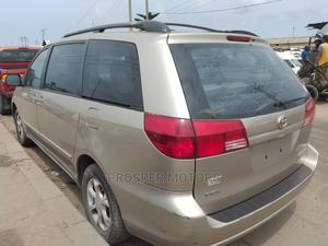 Toyota Sienna 2006 LE AWD Gold   Cars for sale in Lagos State, Apapa