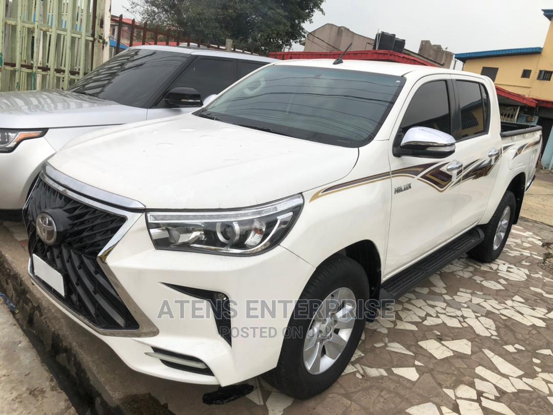 Toyota Hilux 2020 White