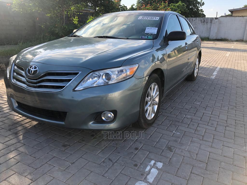 Archive: Toyota Camry 2011 Green