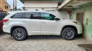 Toyota Highlander 2017 XLE 4x4 V6 (3.5L 6cyl 8A) White   Cars for sale in Lagos State, Ikeja
