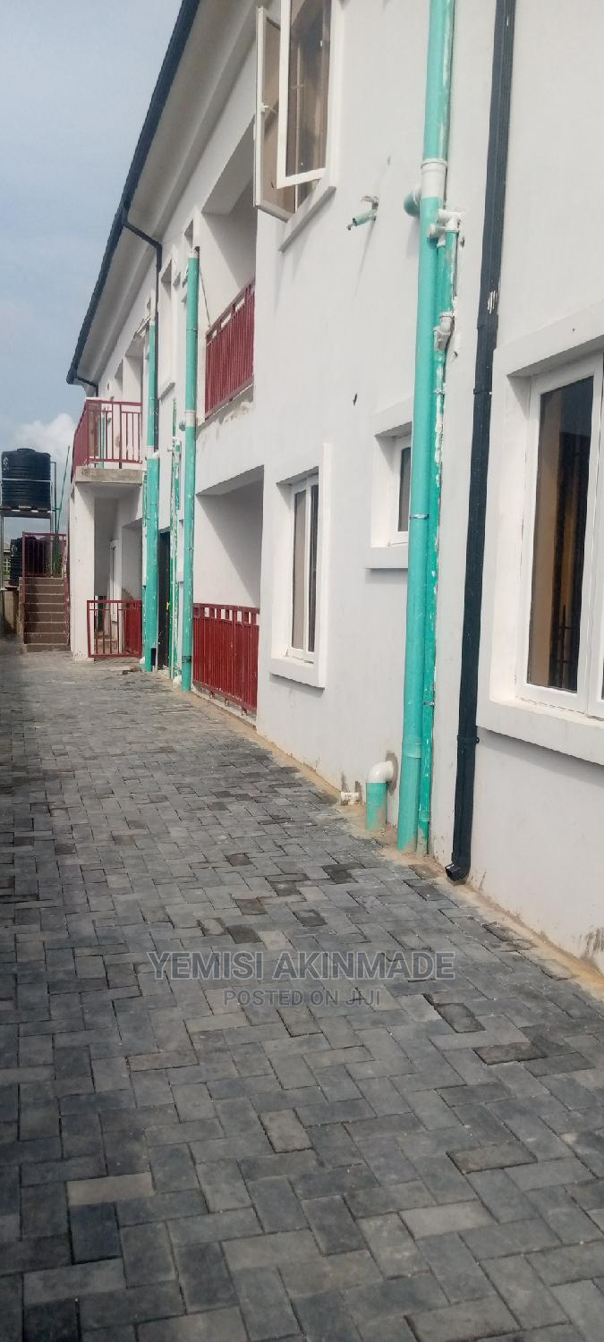 Archive: Furnished 1bdrm Block of Flats in L F I, Igbogbo for Rent