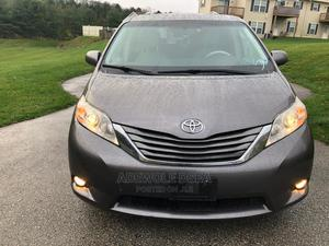 Toyota Sienna 2011 XLE 8 Passenger Gray   Cars for sale in Lagos State, Alimosho