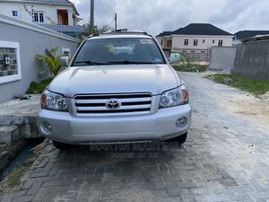 Toyota Highlander 2004 V6 AWD Silver | Cars for sale in Lagos State, Ajah