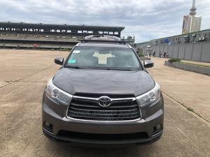 Toyota Highlander 2016 XLE V6 4x4 (3.5L 6cyl 6A) Gray | Cars for sale in Lagos State, Lagos Island (Eko)