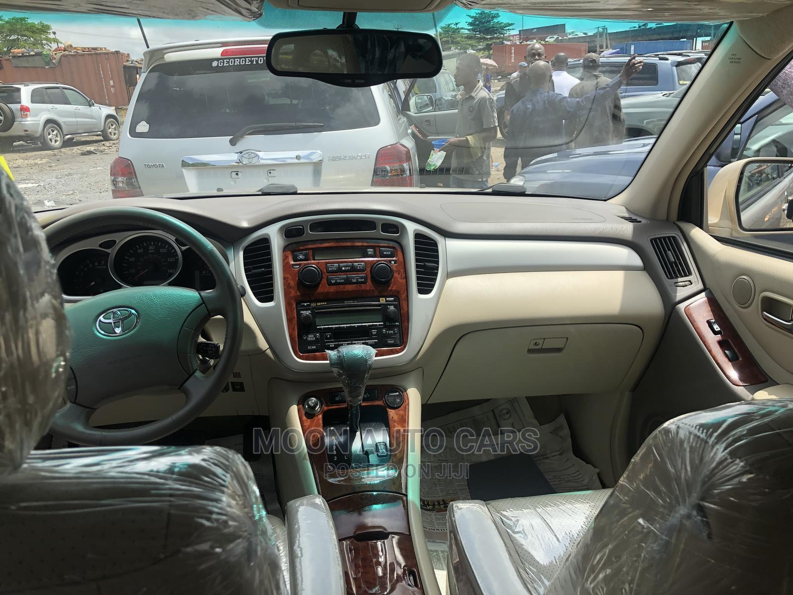 Toyota Highlander 2006 Gold | Cars for sale in Amuwo-Odofin, Lagos State, Nigeria