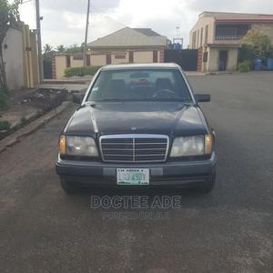 Mercedes-Benz E320 1995 Black | Cars for sale in Osun State, Ife