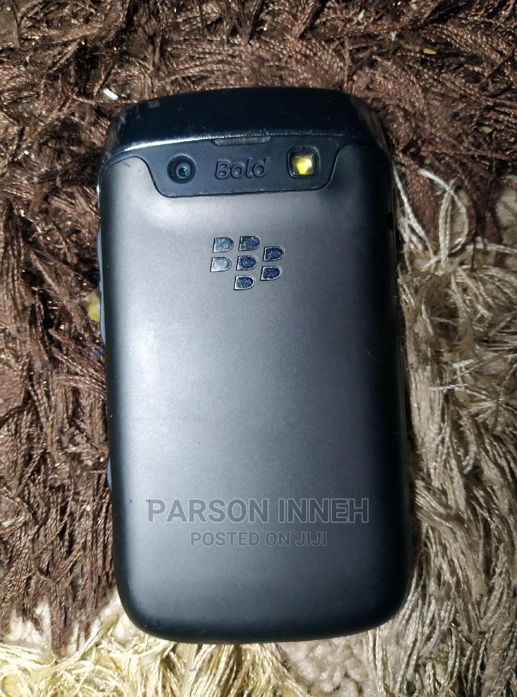 Archive: BlackBerry Bold 9790 8 GB Black