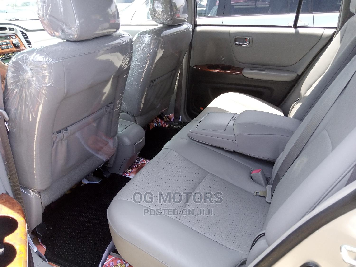 Toyota Highlander 2006 Silver   Cars for sale in Apapa, Lagos State, Nigeria