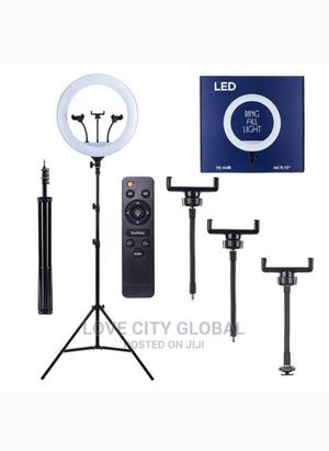 """Ringlight 18""""/46cm Wit Remote, 3 Phone Holder Tripod Stand 