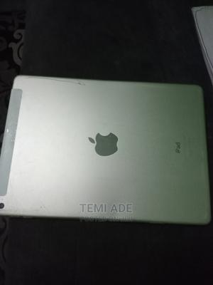 Apple iPad Air 2 16 GB Yellow   Tablets for sale in Lagos State, Agboyi/Ketu