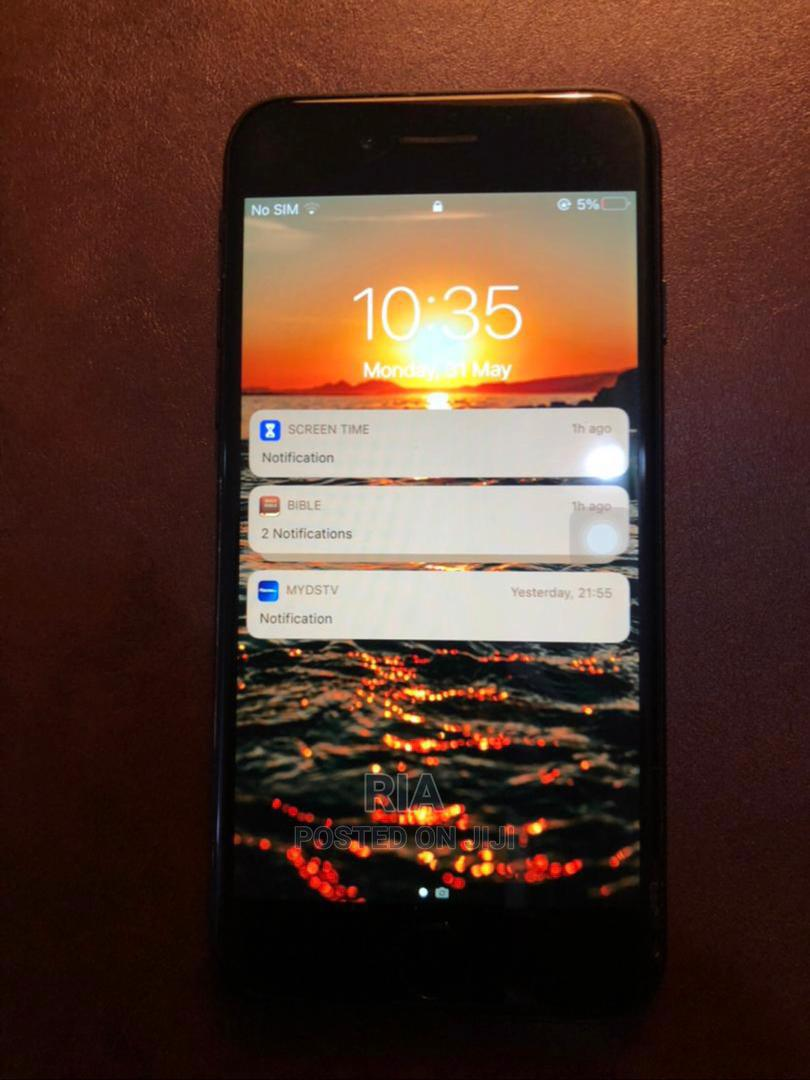 Archive: Apple iPhone 7 128 GB Black