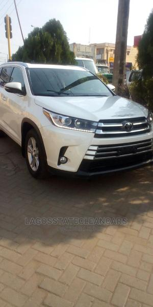 Toyota Highlander 2017 White   Cars for sale in Lagos State, Ikeja