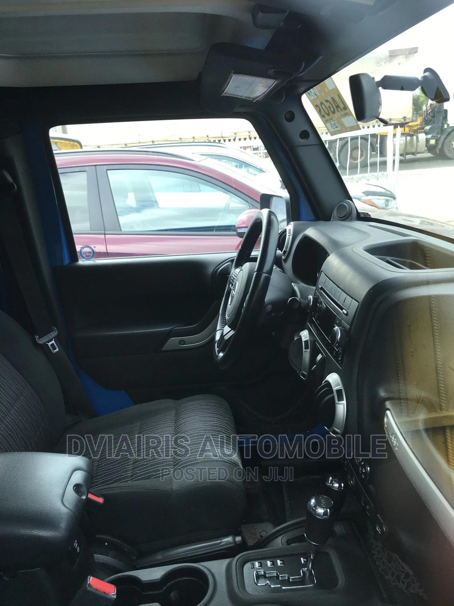 Archive: Jeep Wrangler 2013 Blue